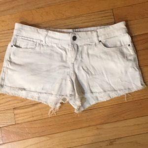 Delia Taylor brand white jean shorts size 9/10